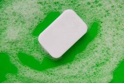 What makes soap foam?