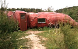10 Strange Buildings Where You Can Spend the Night