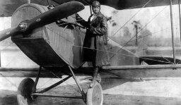 10 Pioneering Female Pilots (Who Aren't Amelia Earhart)