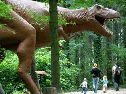 Was Tyrannosaurus rex a predator or a scavenger?