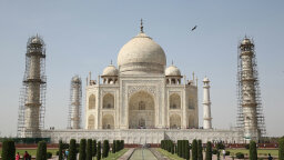 The Taj Mahal Is Turning Green: The Struggle to Preserve Priceless Monuments