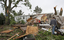 Do tornadoes disproportionately strike trailer parks?