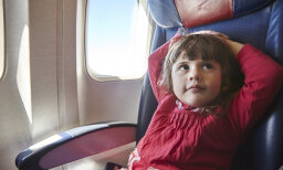 10 Tips for Traveling with Kids on Airplanes