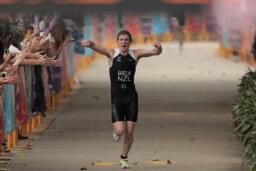 What are average triathlon times?