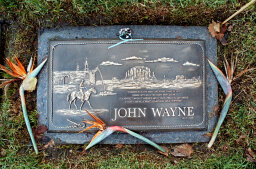 10 Famous People Buried in Unmarked Graves