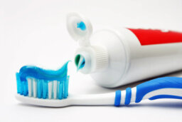 Should everyone use fluoride toothpaste?