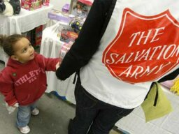 How to Volunteer for the Salvation Army