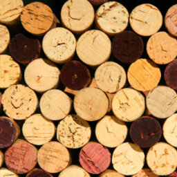 How to Make a Wine Cork Corkboard