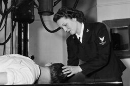 Did women volunteers serve in World War II?