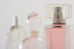Top 10 Scents Used in Women's Body Products