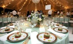 10 Yummiest Things We've Eaten at a Wedding
