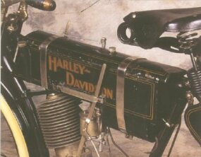 The 1905 Harley-Davidson featured an engine with an overhead intake valve.