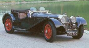 1938 SS Jaguar 100s featured dual racing windscreens that lowered wind resistance.