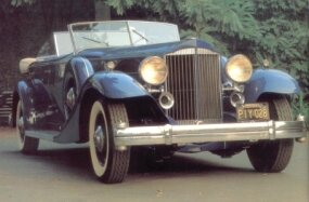 A front view of the 1933 Packard Twelve Sport Phaeton shows off the dual windshield.