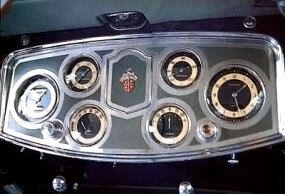 The dashboard panel of the 1934 Packard Twelve Sport Phaeton echoed the car's elegant look.