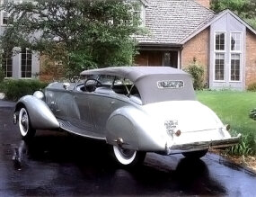 The long hood and body, low roof, and streamlined fenders and rear deck of the 1934 Packard Twelve LeBaron Sport Phaeton gave the car a sporty look.