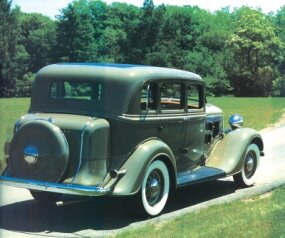 The luxury and comfort of the 1934 PE DeLuxe inspired some 108,407 customers to drive one home.
