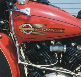 Shift lever well forward indicates this Harley EL