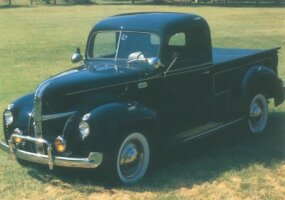 The 1941 Ford half-ton pickup looked almost identical to the successful 1940 model, though the choice of engines was expanded.