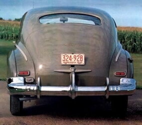 The 1942 Fleetline had a longer, lower, and wider appearance than its predecessors.