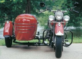 The sidecar was spring-mounted to cushion the ride. This Chief is also equipped with optional front and rear crash bars.