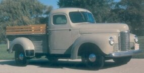 This 1949 International KB-2 pickup wears an International-built pickup box. Horizontal ribs give the sides increased rigidity.