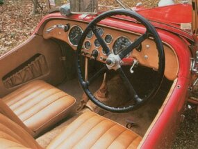 The 1948 HRG 1500 Roadster came with few creature comforts.