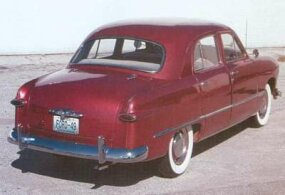 The production 1949 Ford did use one element of Bob Gregorie's model: the rear-door dogleg on four-doors.