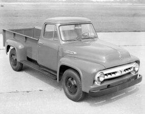1953 Ford F-350 truck