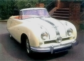 The A90 Atlantic was the first Austin to forsake the traditional upright grille, replacing it with a more rounded front end with a low-mounted grille sporting a central spotlight.