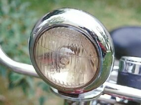 Accessories for the Pacemaker included a chrome headlight and taillight.