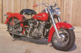 The Harley-Davidson FL Hydra-Glide introduced modernities such as the foot shift.