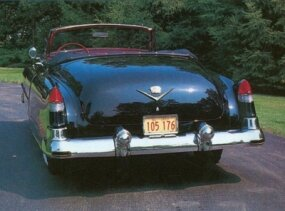 The trademark tailfins on the Series 62 convertible debuted in 1948.