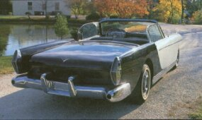 The two-tone color scheme of the 1953 Die Valkyrie was both shocking and stylish.