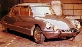 This silver DS21 marked the September 1964 arrival of the new DS Pallas, which was notable for its luxury fittings.