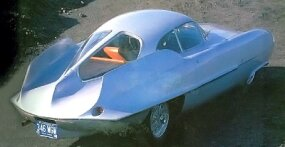 The 1955 Alfa Romeo Bertone BAT 9's body sides were free of air scoops and extractors.