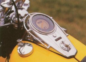 Chrome options abounded on the 1955 FL Hydra-Glide.