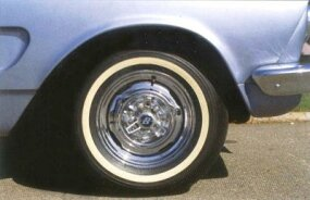 The XR-400 had an AMC 327 V-8 and chrome wheels.