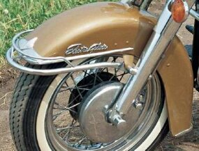 Electra-Glide script on the front fender advertised the model's new electric starter.