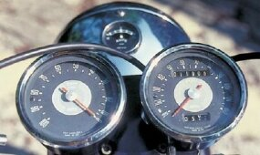The speedometer reads to an optimistic 120 mph, though the Bonneville could top the 100-mph mark.