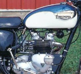 Tiger's 500-cc twin looked similar to Triumph's 650-cc engine, though the latter had larger cooling fins on the head and added fins on the rocker covers.