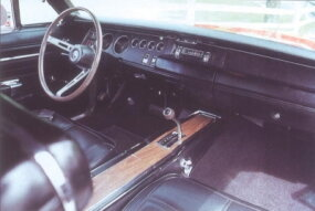The Charger's round gauges included an optional tachometer/clock combination.
