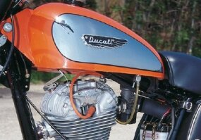 Single-valve Ducatis such as the Scrambler lasted until 1973, when V-twins gained popularity.