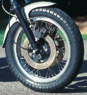 Dual ventilated front disc brakes provided needed reassurance given the bike's high-speed potential.