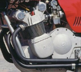 The engine case on the 750S America was featureless but clothed a great twin-cam four.