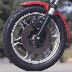 The LeMans came equipped with dual ventilated front disc brakes.