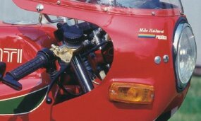 The Mike Hailwood Replica logo was proudly                              displayed on the Ducati's headlight fairing.