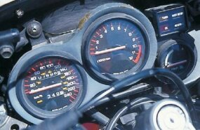 The Yamaha RZ 500 loved to rev, as the 10,000-rpm redline attests. The speedometer is in kilometers per hour; the RZ 500 was never officially sold in the U.S.
