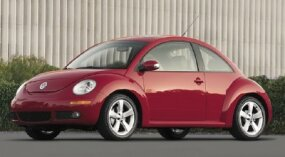 With emissions regulations sidelining the diesel engine after 2006, all 2007 and 2008 Volkswagen New Beetle models used a 2.5-liter gas 5-cylinder.