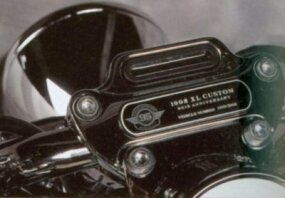 Only 3,000 XL Customs sport this engraved plaque. This one identifies this bike as No. 1,409 of the 3,000.